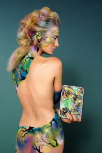 Model: Leah Magwood Body Painter: Julie Hassett Hair/MU: Genevieve Garner Photographer: Stephanie Mathis Photography Purse: Ted Baker